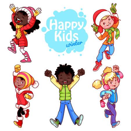 ropa de invierno: Niños muy felices en ropa de invierno sobre un fondo blanco.