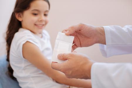 Medizinisches Pflaster zur Wundbehandlung