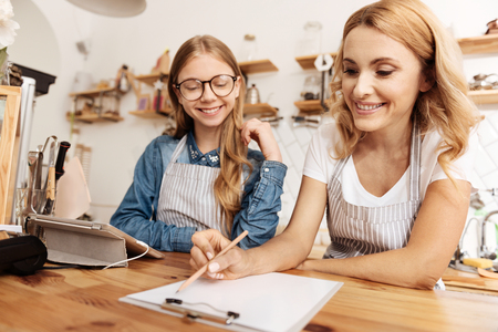 one sheet: Caring mother sharing her cafe management experience with daughter