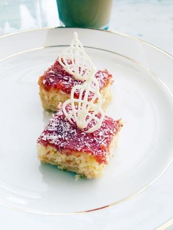 mini cake  Stock Photo - 13355764