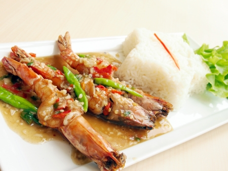 Spicy fried shrimp and white rice Stock Photo - 13601058