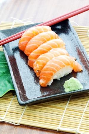 crusted: Salmon sushi