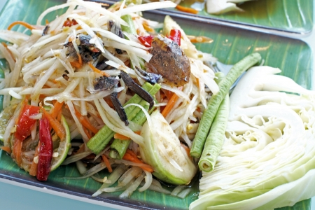 Green papaya salad Stock Photo - 18275787