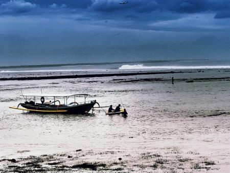 Sea silhouette photo