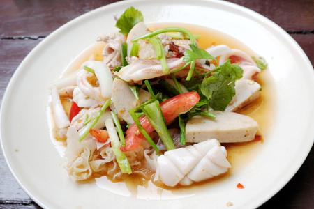 quid: Spicy seafood salad