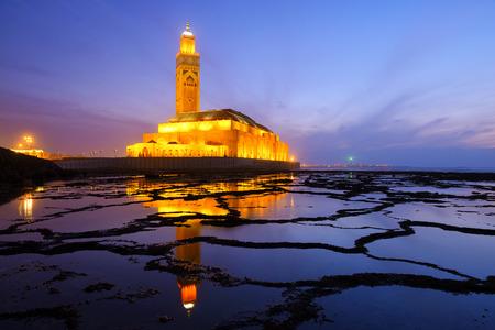 カサブランカ, モロッコの日没時にハッサン 2 世モスク