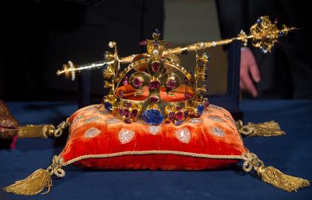 rubellite: Czech crown jewels Editorial