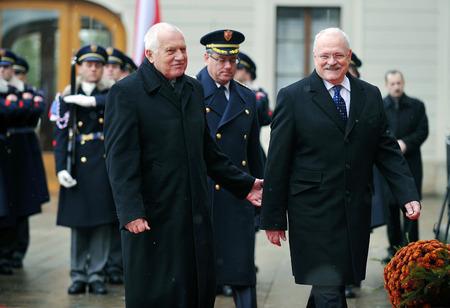 statesman: PRAGUE, CZECH REPUBLIC - DECEMBER 10, 2012: Czech President Vaclav Klaus (left) and Slovak President Ivan Gasparovic (right) in Prague, Czech Republic, December 10, 2012.