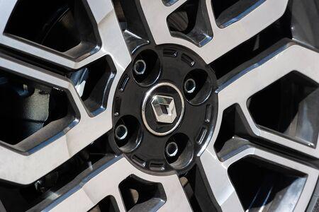 PRAGUE, CZECH REPUBLIC - JUNE 20, 2018: Wheel of Renault Clio in Prague, Czech Republic, June 20, 2018. Redactioneel