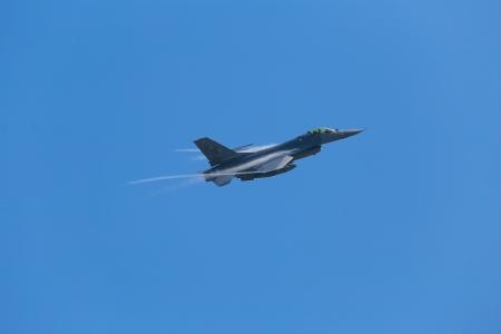 f 16: Air Show F-16 Fighting Falcon