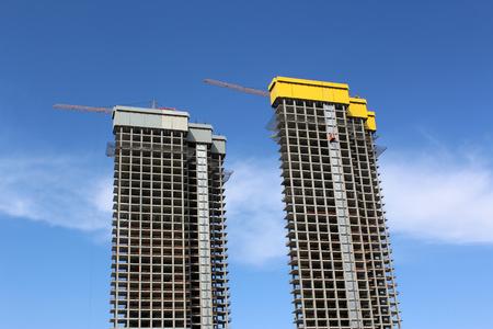 elevator operator: Building under construction-Skyscraper