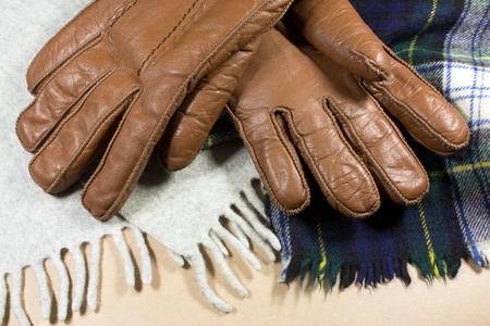 foulards: guanti e sciarpe