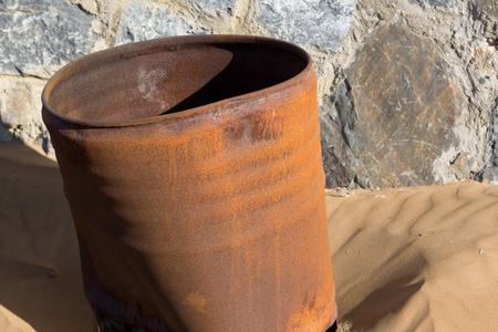 rusty: rusty barrel