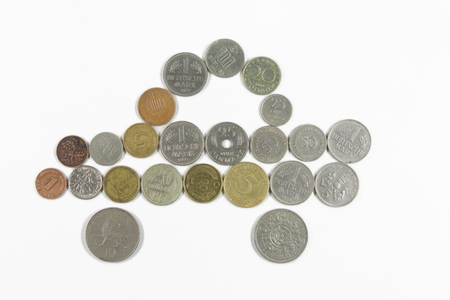 monedas antiguas: coche con monedas antiguas