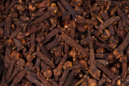 cloves: Dried cloves.