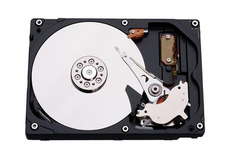 disco duro: disco duro real abierto aislado sobre fondo blanco.