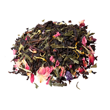 backcloth: Tea with strawberry flavor and passion fruit.