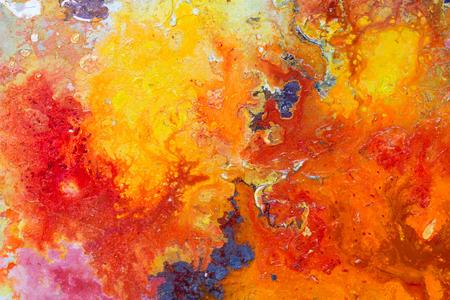 추상 회화 색상 질감입니다. 빨간색과 노란색의 밝은 예술적 배경. 높은 해상도 사진입니다.