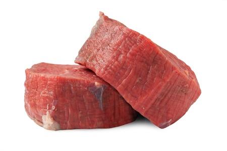 Zwei rohe Filet Steaks isoliert auf weiß Standard-Bild