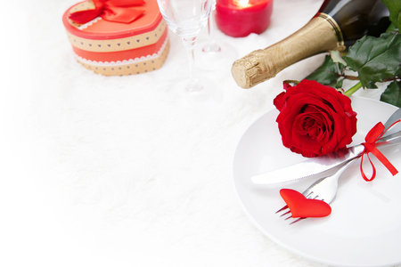 Valentines Day. Beautiful background greeting card with a rose. Selective focus. Holiday. 版權商用圖片