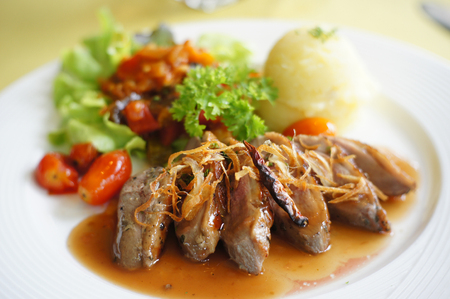 Roasted Duck with Mango Sauce