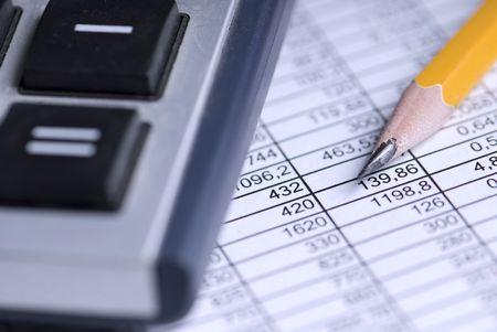 calcolatrice, tavolo, matita