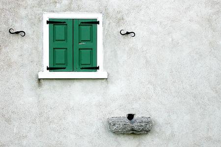 symetry: windows