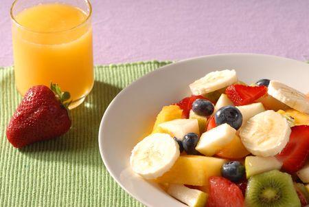 salade de fruits: salade de fruits et de jus