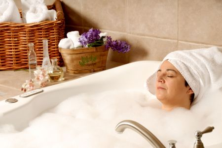 woman taking a aroma bath at a day spa Stock Photo - 693775