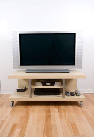 plasma screen: big tv lcd plasma screen in modern living room