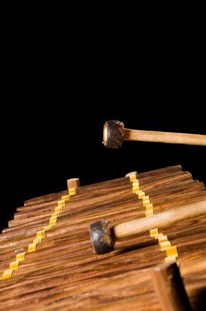 xilofono: un m�sico tocar xil�fono en un estudio