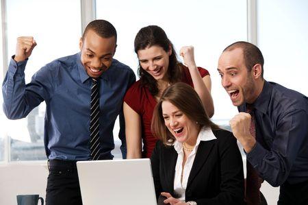 Grupo de gente de negocios en un escritorio de oficina  Foto de archivo - 3503859