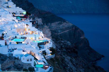 Griechisch-Tourismus in Santorini-Insel-Hotel-Unterkunft Standard-Bild - 7008337