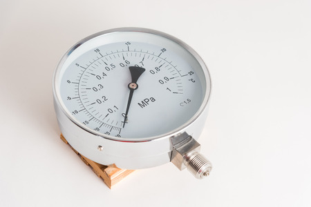 The new manometer lies on a gray background