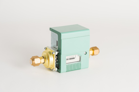 Pressure switch in the pipeline, for monitoring and balancing the pressure in the pipeline.