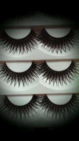 fake eyelashes: Fake eyelashes