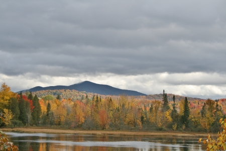 High Peak in Autumn Фото со стока