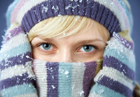 winter fun: PORTRAIT OF WOMAN WEARING TURTLE NECK, WINTER HAT AND SCARF