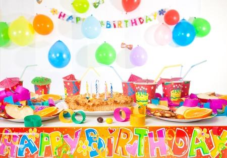 Tabelle einzurichten für das Party eines Kindes Standard-Bild