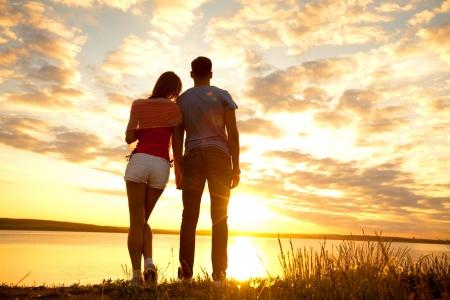 Retrato de una joven pareja romántica en el amor