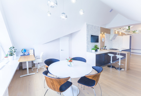 gas stove: modern interior light a large apartment in mansard