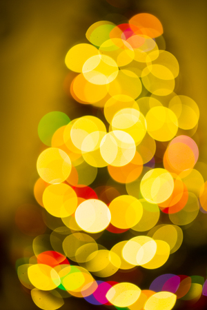 beautifully decorated rozhdessvenskaya Christmas tree. Defocus Banque d'images