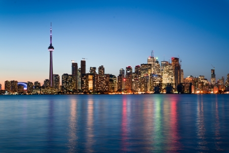 building cn tower: Night scene of downtown Toronto during early winter time Stock Photo