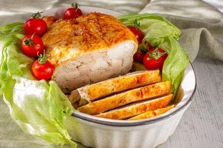 Homemade chicken ham. Oven baked chicken roll 版權商用圖片 - 151607342