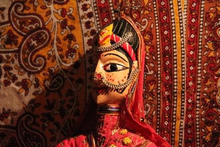 marioneta de madera: Marionetas de madera de Rajast�n Editorial