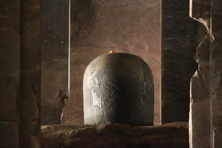 linga: Shiva lingam in Elephanta Island Editorial