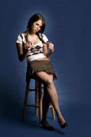 faldas: vestido de mujer joven como una colegiala traviesa
