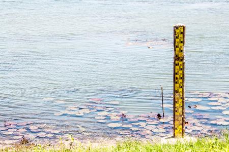 pluviometro: Indicador de nivel de agua de aluvión en Tailandia