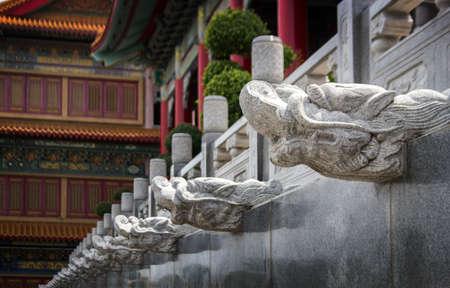 oriental dragon head figure exterior Chinese decoration pupblic temple in asia Zdjęcie Seryjne