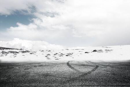Plateau snow mountain road platform